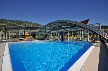 1700 Quadratmeter Wasserfläche werden in der Erlebnistherme Zillertal geboten.