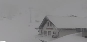 Komplett verlassen liegt der Skiort am Fuße des Hochkar in Niederösterreich. (Webcambild)
