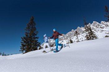 Am Hochkönig gibt es auch Möglichkeiten zum geführten Schneeschuhwandern.