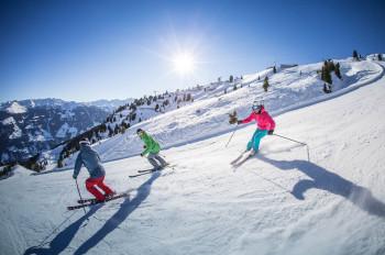Mit dem Zillertaler Superskipass kannst du im kompletten Zillertal Skifahren.