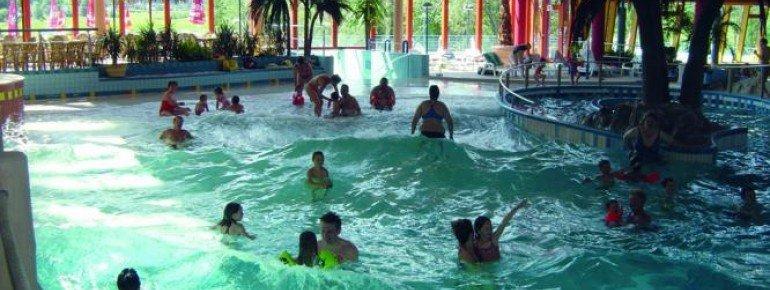 Entspannen kann man nach dem Skifahren im Freizeitbad Wonnemar in Sonthofen.
