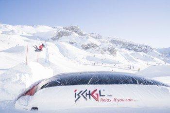 Nur für Waghalsige: Ein Sprung in den Public Bagjump unterhalb des Snowpark Ischgl