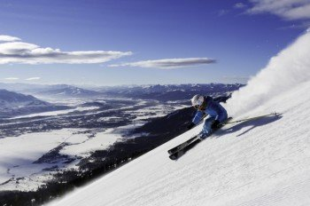 Skifahren vor einzigartiger Kulisse im Talgebiet Jackson Hole.
