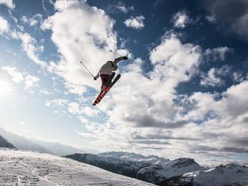 Das Jakobshorn ist bekannt für den Jatz Park, einen der größten Snowparks in den Alpen.