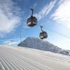 Vier Gondelbahnen bringen die Wintersportler hoch auf den Berg.