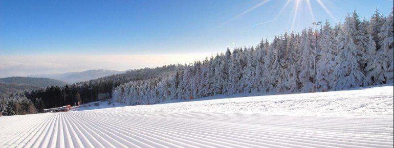 500 bestens präparierte Pistenkilometer erwarten Wintersportler im Skigebiet Jauerling im niederösterreichischem Waldviertel.