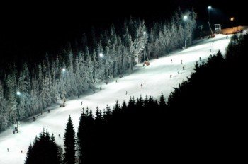 Von Mittwoch bis Samstag wird beim Nachtskilauf am Jauerling die Nacht zum Tag.