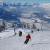 Skifahrer genießen das Panorama am Kellerjoch. © Tourismusverband Silberregion Karwendel