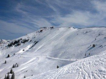 Auch abseits der Pisten können Skifahrer ihre Spuren in den Schnee ziehen - wie hier am Steinbergkogel