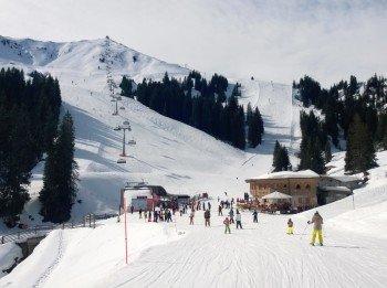 Die Hütten sind gut über das Skigebiet verteilt