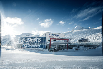 Zwei Restaurants und eine Bar findest du im Alpincenter.