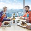 Im Gipfelrestaurant verbinden sich alpines Design und kulinarische Köstlichkeiten mit 5-Sterne-Panorama.