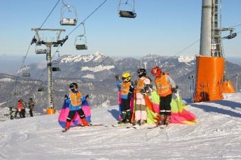 Kids werden besten betreut im Skigebiet Kössen.