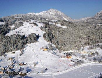 Blick auf das Skigebiet Kötschach-Mauthen im österreichischen Kärnten.