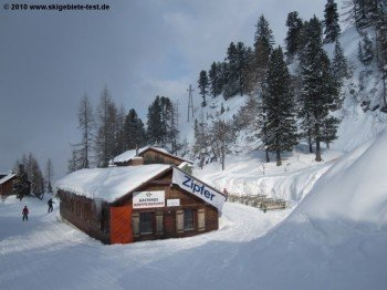 Gasthaus Krippenbrunn (1630m) direkt an der 11 km langen Talabfahrt!