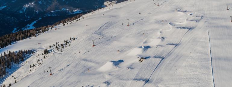 Zwischen den Pisten Belvedere und Plateau befindet sich der Snowpark.