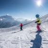 Auch für Kinder gibt es genügend blaue Pisten im Skigebiet.