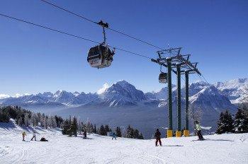 Lake Louise - grandioses Skigebiet trifft auf traumhafte Landschaft.