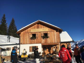 Die Wolfensteiner Hütte liegt zwar etwas abseits, bietet aber auch Übernachtungsmöglichkeiten an.