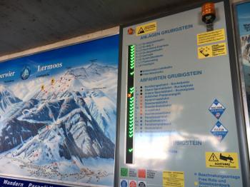 Die Beschilderung im Skigebiet am Grubigstein ist sehr gut und modern.