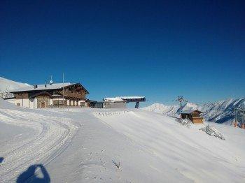 Das SB-Restaurant Grubighütte befindet sich an der Bergstation der Grubigbahn II am Fuße des Grubiggipfels.
