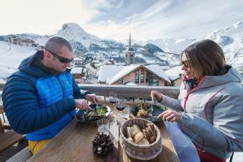 Natürlich dürfen auch Hütten im Skigebiet, wie hier in Saint Martin de Bellevill nicht fehlen.