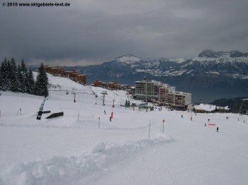 Prapoutel (1350m) ist der größte Ort am Skigebiet!