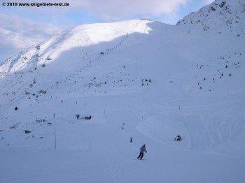 Die schönsten Pisten für Fortgeschrittene findet man in den höher gelegenen Regionen des Skigebietes (hier Piste 18)!
