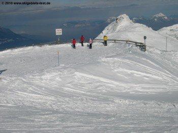 Beeindruckt Groß und Klein: Der Blick ins tiefe Tal der Isère!