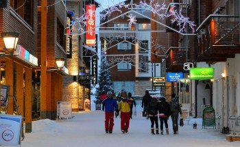 Nach dem Skifahren bietet Levy eine Vielzahl an Restaurants und Après-Ski Bars.