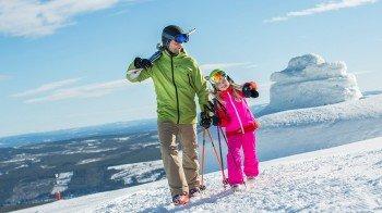 Im Skigebiet findest du Pisten aller Schwierigkeitsgrade.