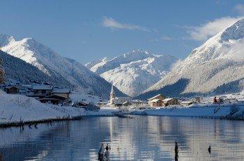 Livigno ist eingebettet zwischen dem Engadin und dem Alta Valtellina.