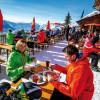 Genuss aus der Sonnenterrasse: Essen und Trinken am Loser in Altaussee.