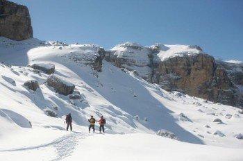 Etwa 30 Kilometer Winterwanderwege gibt es rund um Madonna di Campiglio zu entdecken.