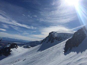 Blick von Chair 23 Richtung Osten über die zahlreichen Freeride Hänge an der Bergstation Top of the Sierra.