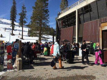 Die Canyon Lodge eignet sich nicht nur hervorragend für kleinere Pausen während des Skifahrens, sondern auch für einen Abstecher am Abend.