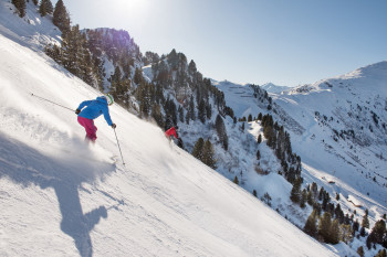 Mit einem Gefälle von 78% ist die Harakiri-Piste am Penken die steilste Abfahrt Österreichs.