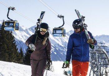 Vom Mayrhofner Ortszentrum bringt die 3S Penkenbahn alle Wintersportler ins Teilgebiet am Penken.