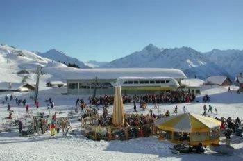 Sunne Express mit Skibar