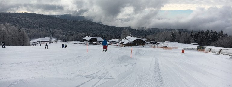 Eine Wellenbahn gibt es neben dem Förderband Alpe.