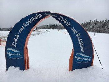 Start der Rodelbahn ist am oberen Ende des Förderbands Alpe.