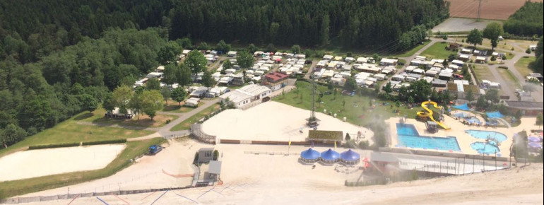 Der Monte Kaolino garantiert Skivergnügen an heißen Sommertagen. Das Dünenfreibad bietet die nötige Abkühlung nach der Piste.
