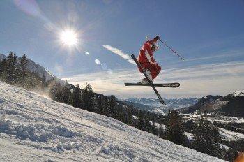 Schneesicheres Skivergnügen bis April bietet das Skigebiet am Oberjoch.