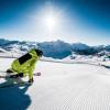 100 Kilometer Pistenspaß erwarten Skifahrer und Snowboarder in Obertauern.