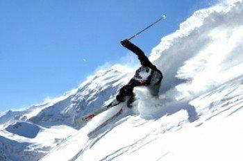 Abenteuerliche Hänge warten auf erfahrene Skifahrer.