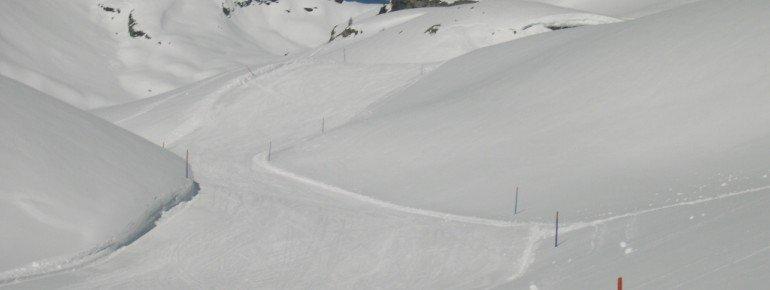 Blick auf die einzige blaue Piste im Skigebiet: Abfahrt 7