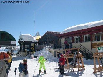 Einziges größeres Bergreataurant im Skigebiet: Jorasse Hütte auf 1940 m