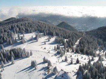 Im Skigebiet Pamporovo erwarten dich insgesamt knapp 30 Pistenkilometer.