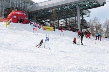 Skirennen an der Bergstation der Kabinenbahn auf 1.705 Höhenmetern.