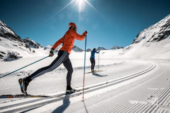 Am Pitztaler Gletscher gibt es eine rund 6 Kilometer lange Höhenloipe.